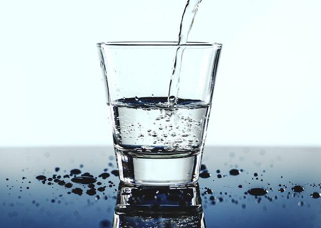 voda, sklenice