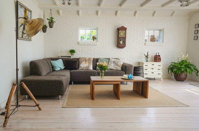 obývací pokoj s kobercem