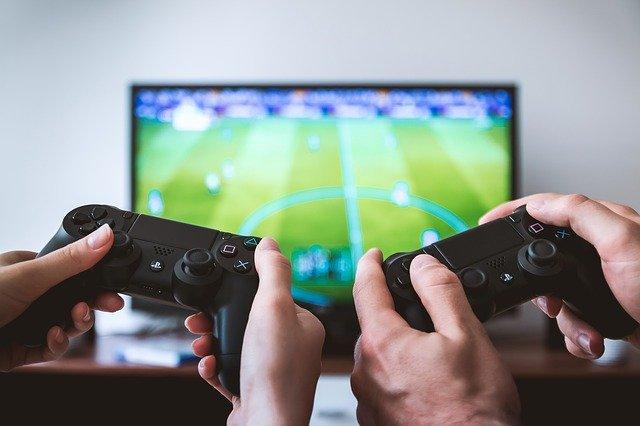 Hry, hráči, herní konzole
