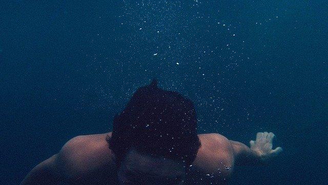 potápění ve vodě